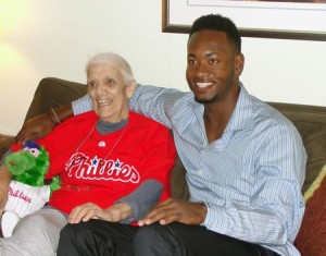 Phillies player visits hospice patient