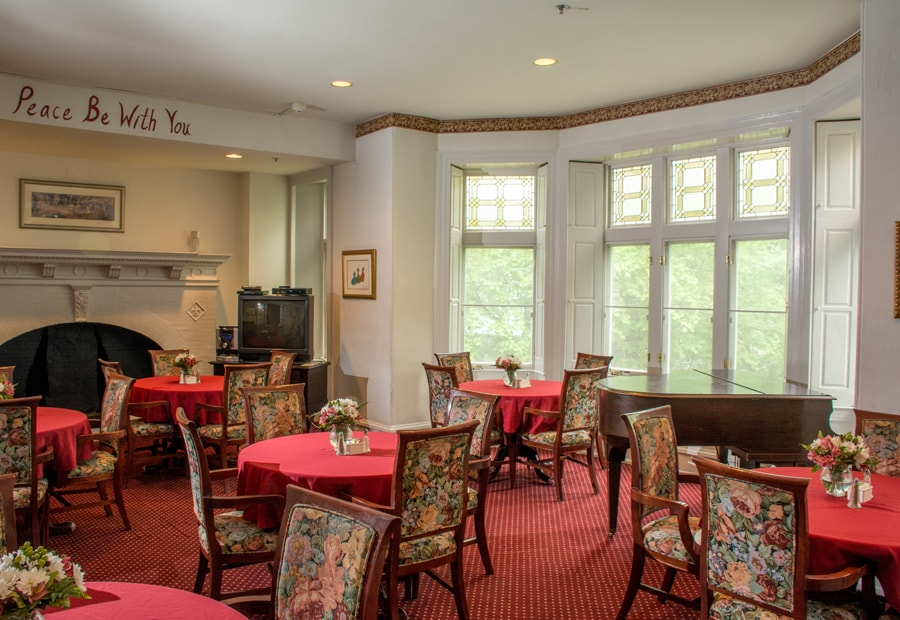 Dining Room at Keystone House inpatient hospice